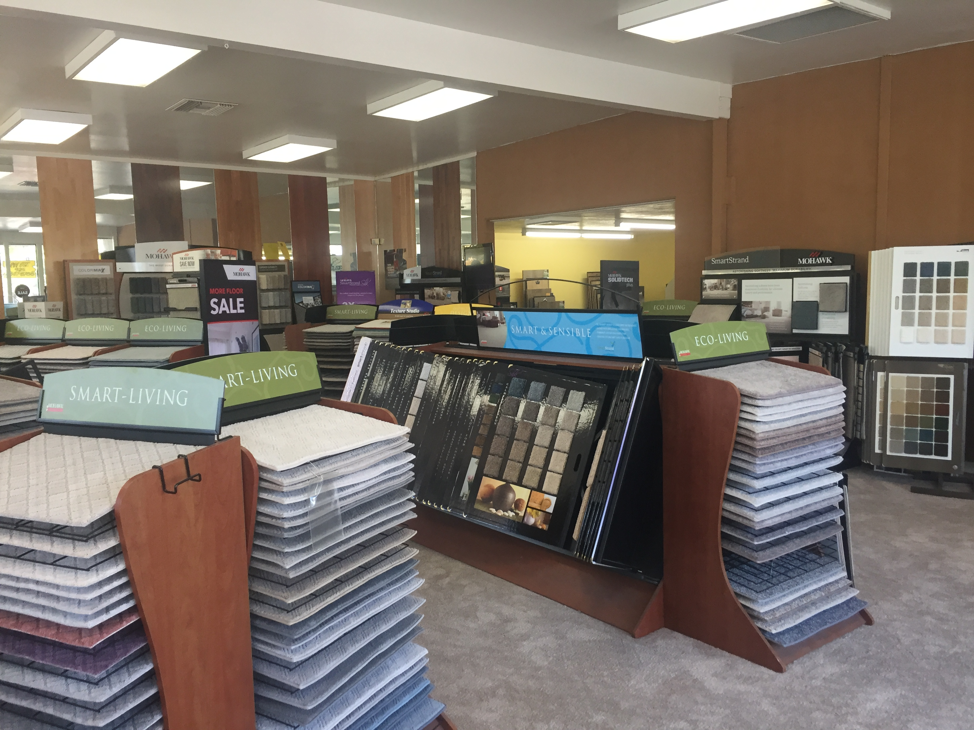Profitable Flooring Store  35 hr/wk.  No Weekends!