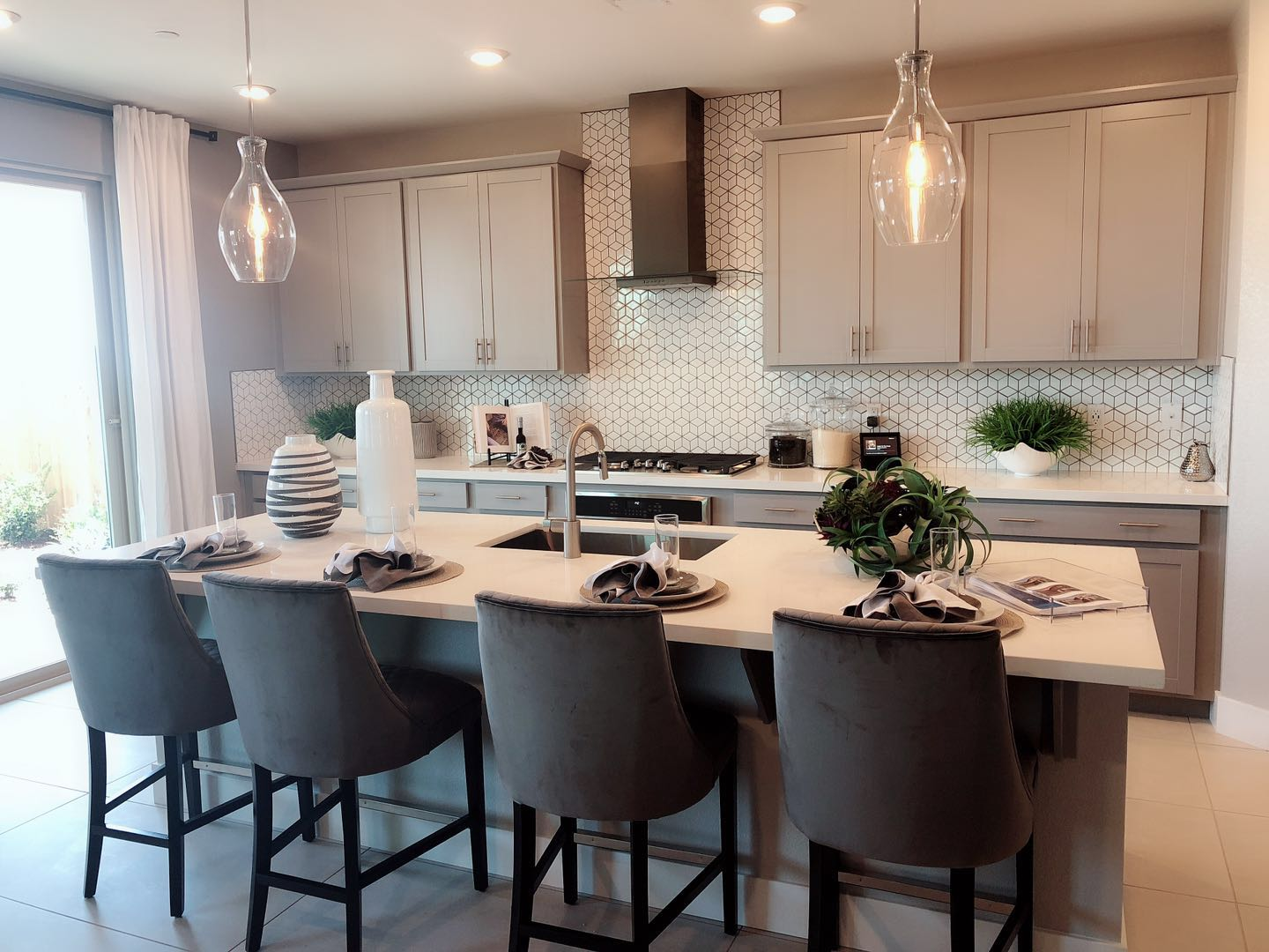 Highly profitable kitchen design&assembly business